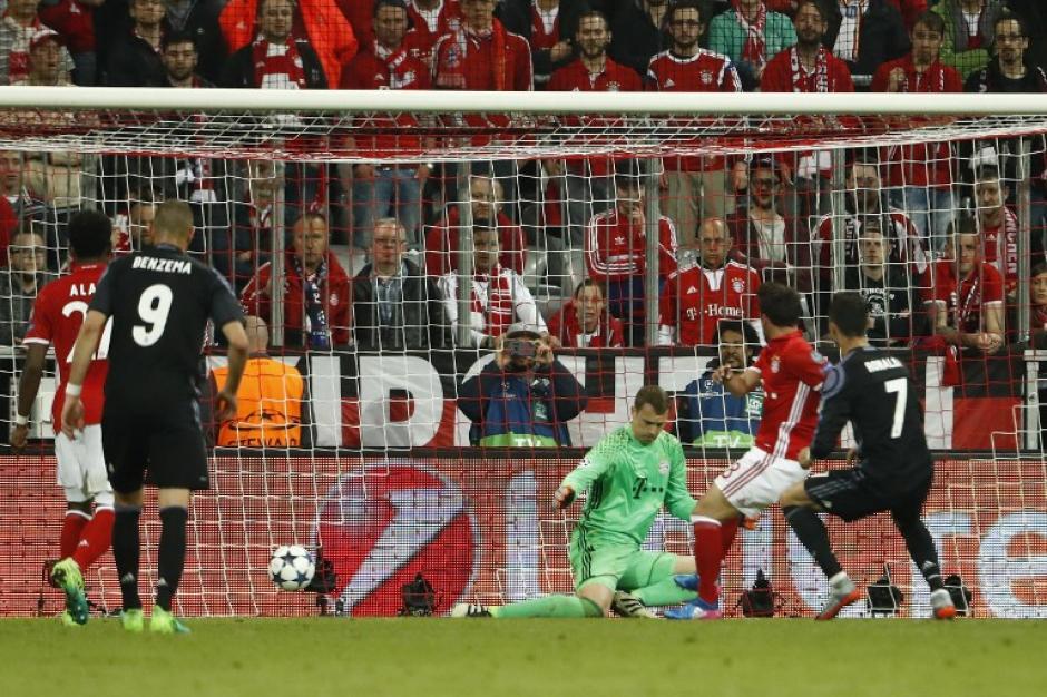 Neuer no pudo contener los disparos certeros del portugués. (Foto: AFP)