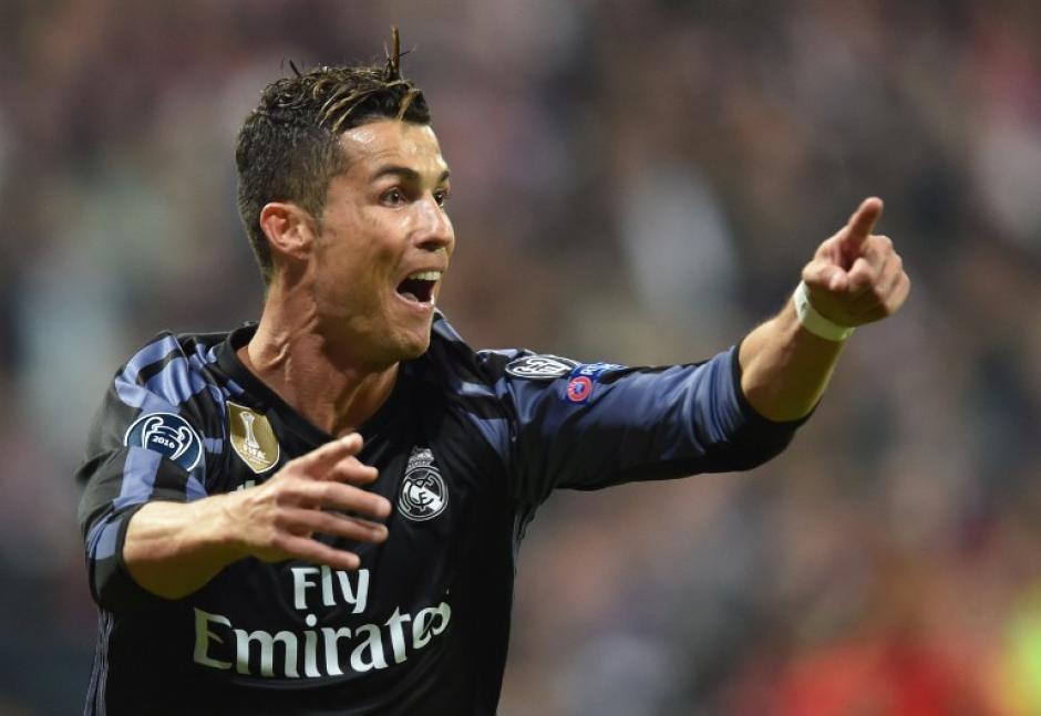 Con sus dos goles, Cristiano Ronaldo llega a la marca de 100 en la competición europea. (Foto: AFP)