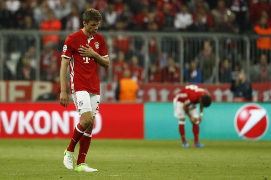 Los jugadores alemanes lucieron desconsolados por la derrota. (Foto: AFP)