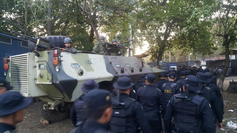 El Ejército participa en la incursión a la granja de cumplimiento de condenas Canadá en Escuintla. (Foto: Sistema Penitenciario)
