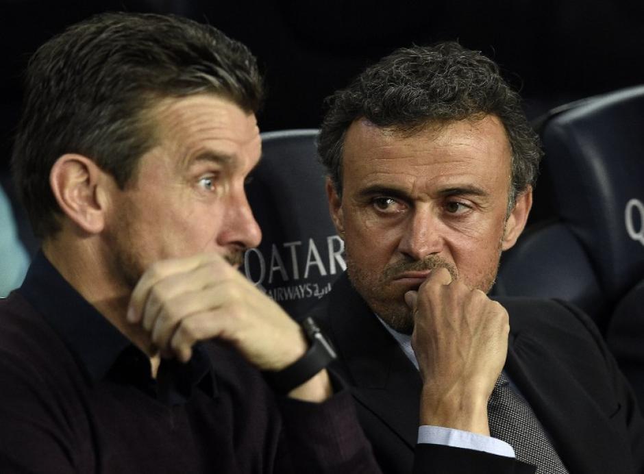 Luis Enrique luce preocupado por el accionar de su equipo. (Foto: AFP)
