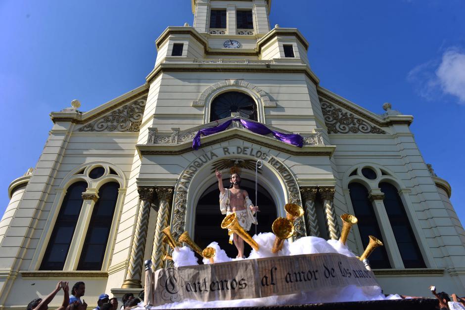 La procesión de Cristo Resucitado salió del templo del Calvario. (Foto: Jesús Alfonso/Soy502)