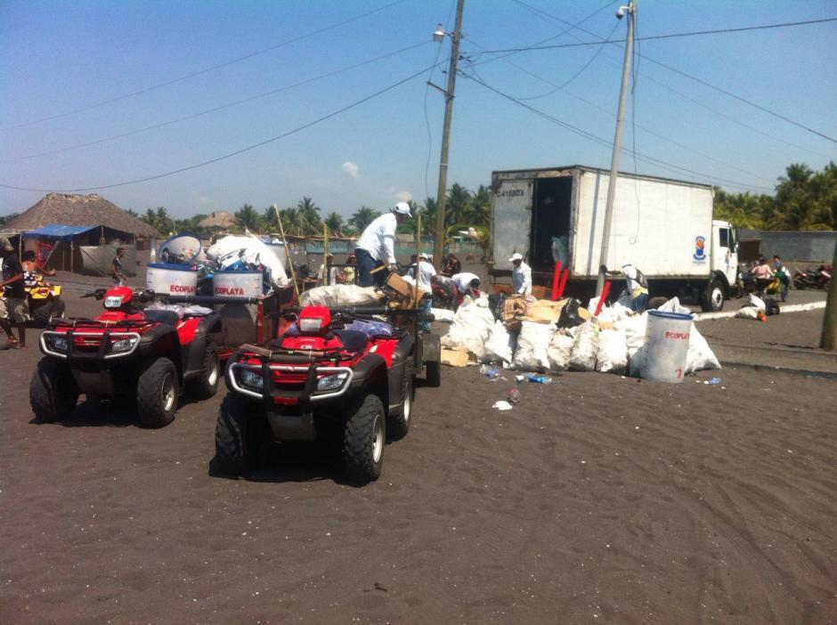 70 personas trabajaron durante esta época para mantener limpia el área pública. (Foto: Ecoplayas)