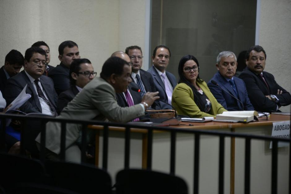 Así se observaba el resto de implicados en la Sala de Mayor Riesgo. (Foto: Wilder López/Soy502)