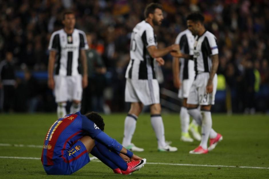El brasileño quedó tendido en el campo debido a la eliminación. (Foto: AFP)