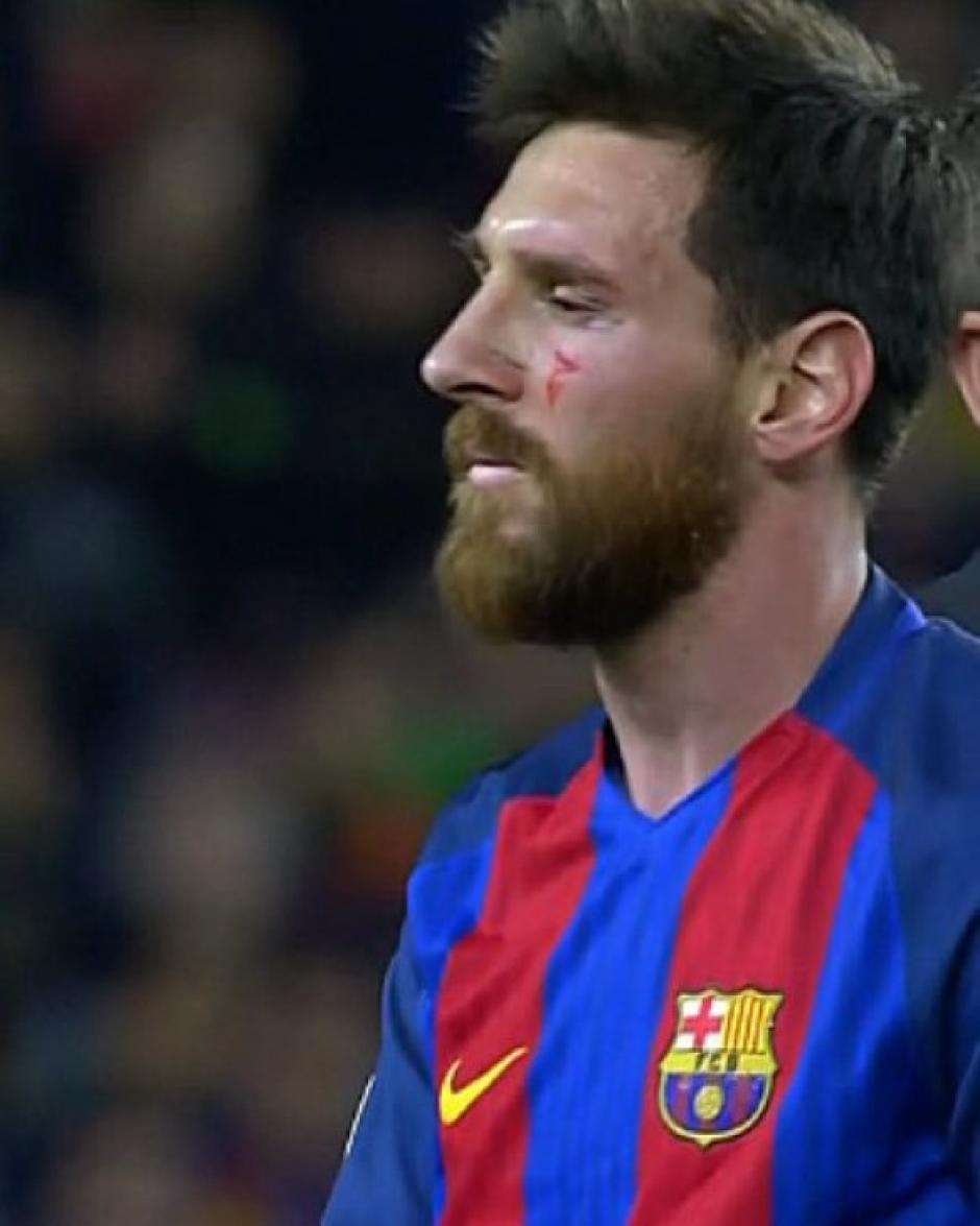 Leo Messi sufrió ante la férrea marca de los italianos. (Foto: Twitter)