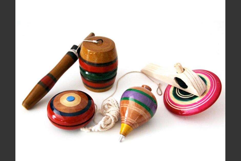 Dentro de la adquisición se planea comprar: yoyos, capiruchos, trompos, cuerdas, chajaleles, aros, yaxes, entre otros. (Foto: sinembargo.mx)