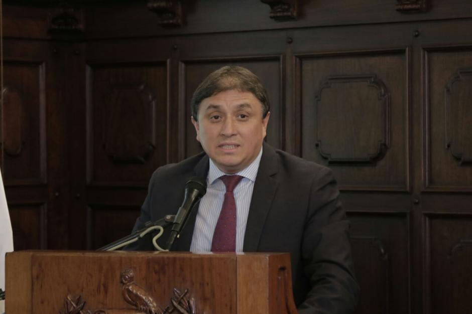El viceministro del Deporte y la Recreación, Edwin Pérez, aseguró que la compra se hará apegada a la ley. (Foto: Alejandro Balán/Soy502)
