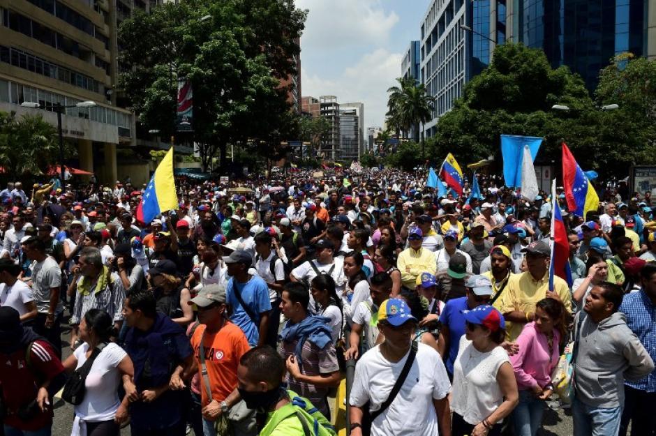Para este jueves se realiza una nueva marcha en los mismos puntos donde se reunieron el miércoles. (Foto: AFP)