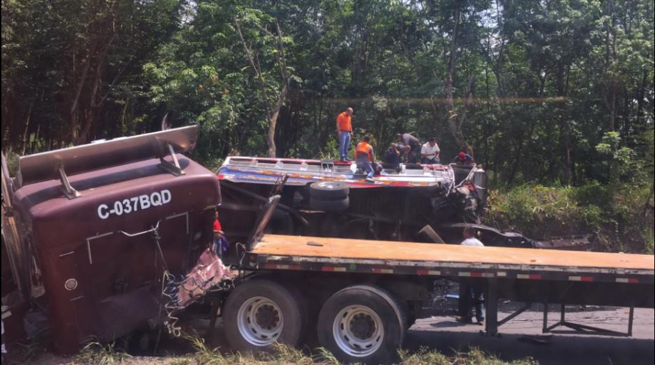 El accidente dejó al menos 15 personas gravemente heridas. (Foto: Amilcar Montejo/Twitter)