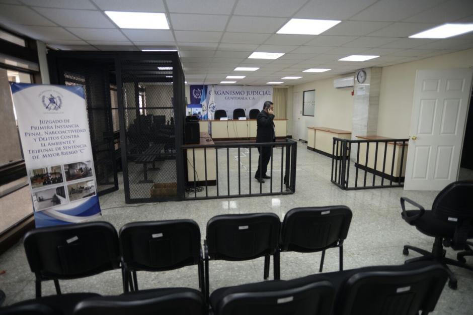 Autoridades también inauguraron una sala de audiencias para el Tribunal de Sentencias de Mayor Riesgo C, en el nivel 13. (Foto: Wilder López/Soy502)