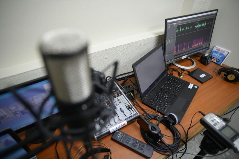 Con un equipo especializado a cargo de dos expertos del Inacif, se cotejará la voz del señalado con la del audio que constituya la prueba en su contra. (Foto: Wilder López/Soy502)