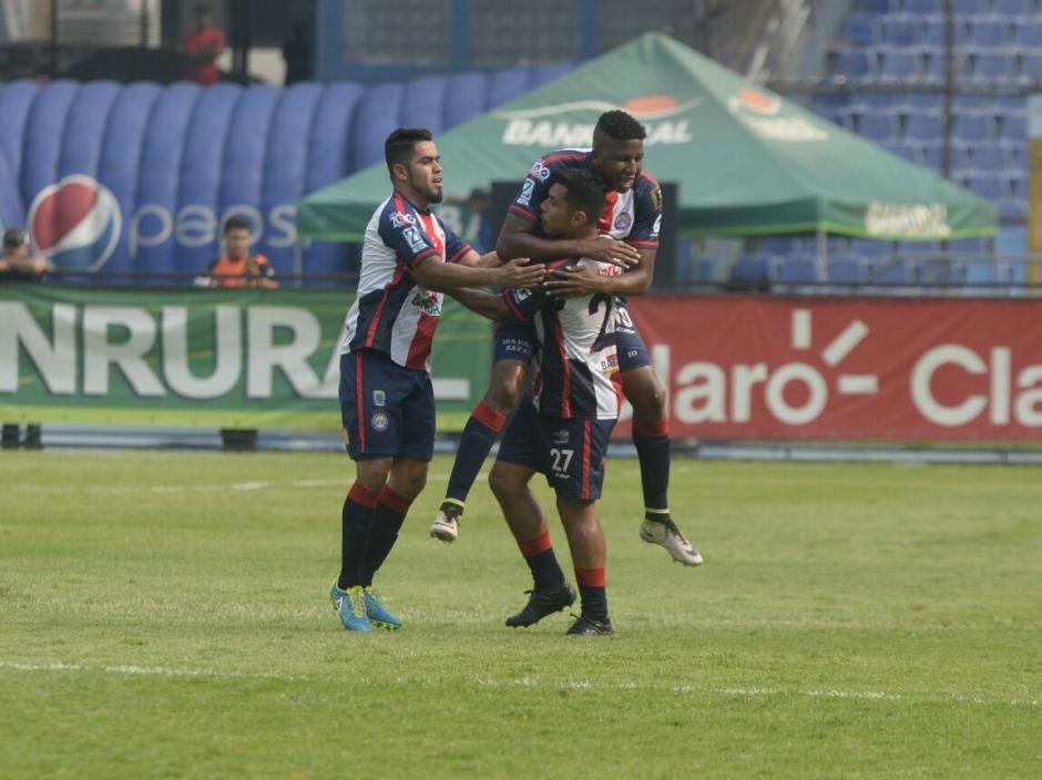 Xelajú lo empató con un golazo de tiro libre de Mario Castellanos. (Foto: Wilder López/Soy502)