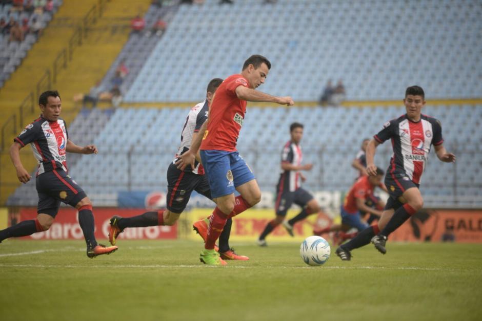 Marco Pappa ingresó en el segundo tiempo para ayudar a su equipo. (Foto: Wilder López/Soy502)