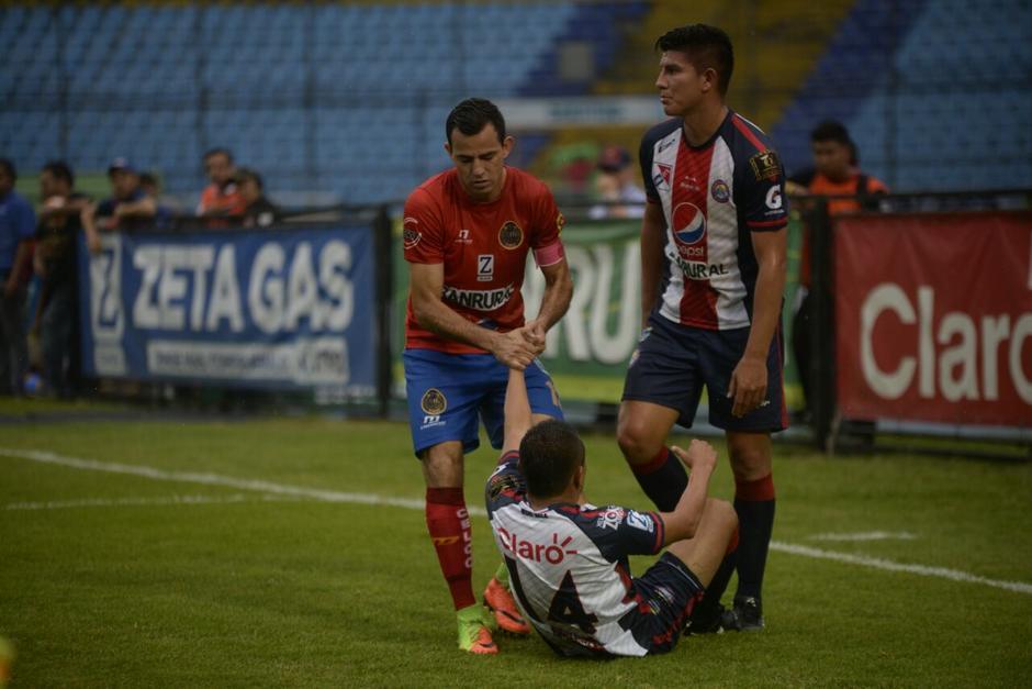 Municipal y Xelajú empataron 2-2 en la jornada 19 del Torneo Clausura 2017. (Foto: Wilder López/Soy502)