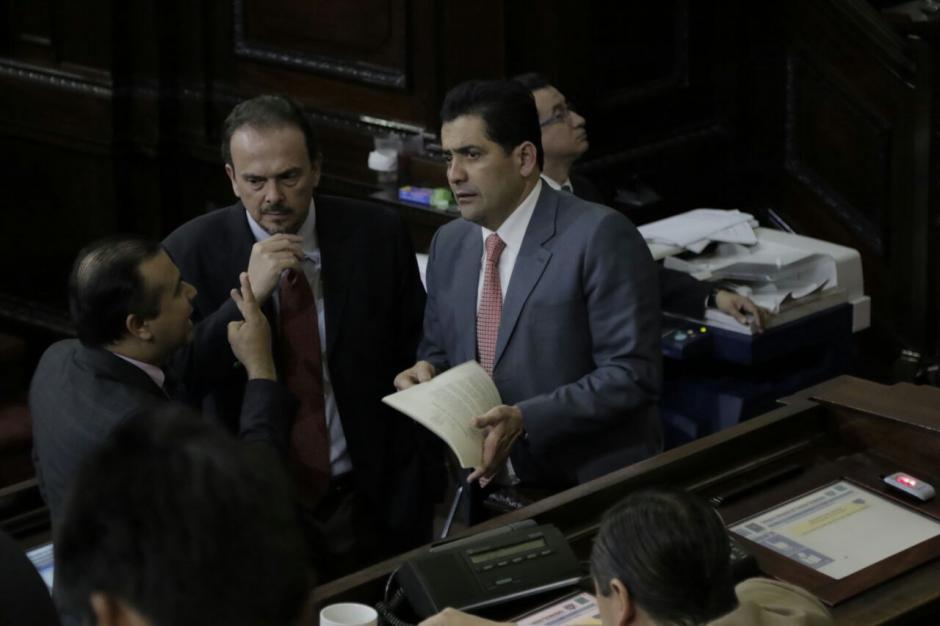 La propuesta del ejecutivo no contó con los votos necesarios. (Foto: Alejandro Balán/Soy502)