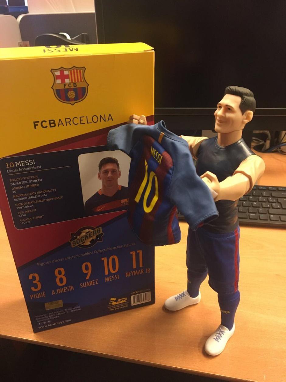 El festejo del gol 500 de Messi fue inmortalizado en un muñeco de colección. (Foto: Twitter)