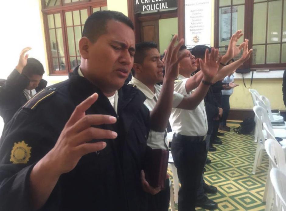 Esta mañana realizaron esta actividad en la sede de la PNC. (Foto: Ministerio de Gobernación)