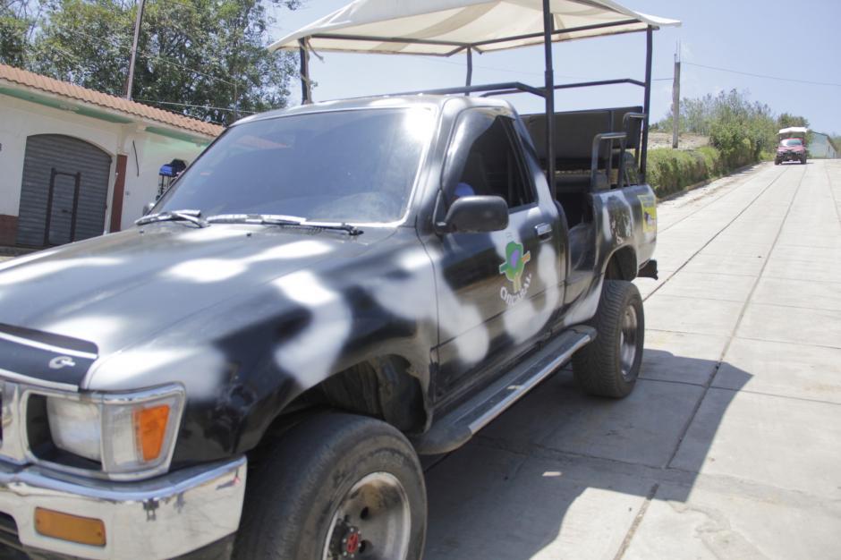 Los toritos son el transporte para llegar a la Laguna Seca, donde parte el recorrido oficialmente. (Foto: Fredy Hernández/Soy502)