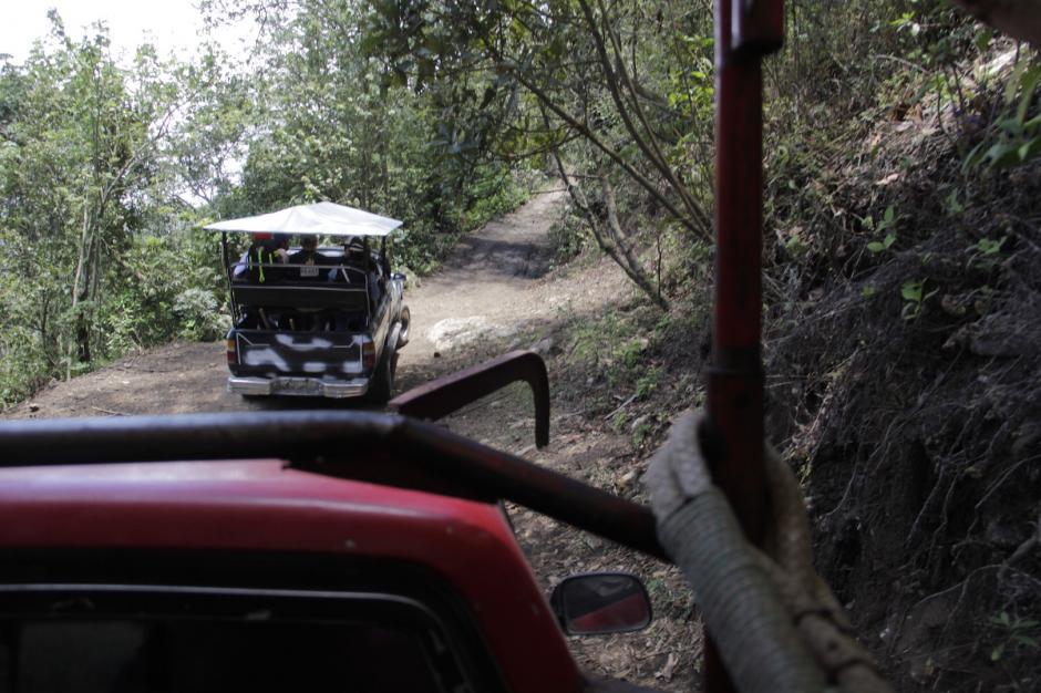 El camino es muy accidentado, pero lleno de aventuras. Puedes recorrer el sendero a pie o en el torito. (Foto: Fredy Hernández/Soy502)