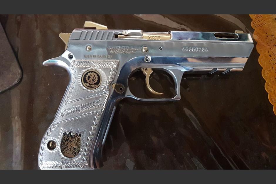 Una de las armas decomisadas durante los allanamientos en San Jorge. (Foto: Ministerio Público)