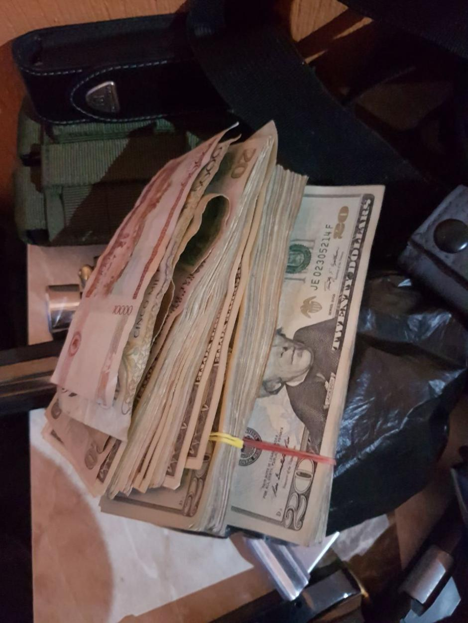 Las autoridades también encontraron dinero en efectivo. (Foto: Ministerio Público)