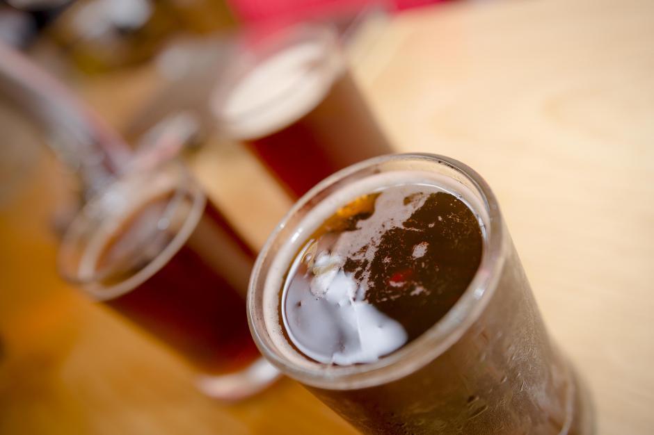 La nueva Modelo Negra de barril es una cerveza estilo Munich con 5.3% de alcohol. (Foto: George Rojas/Soy502)