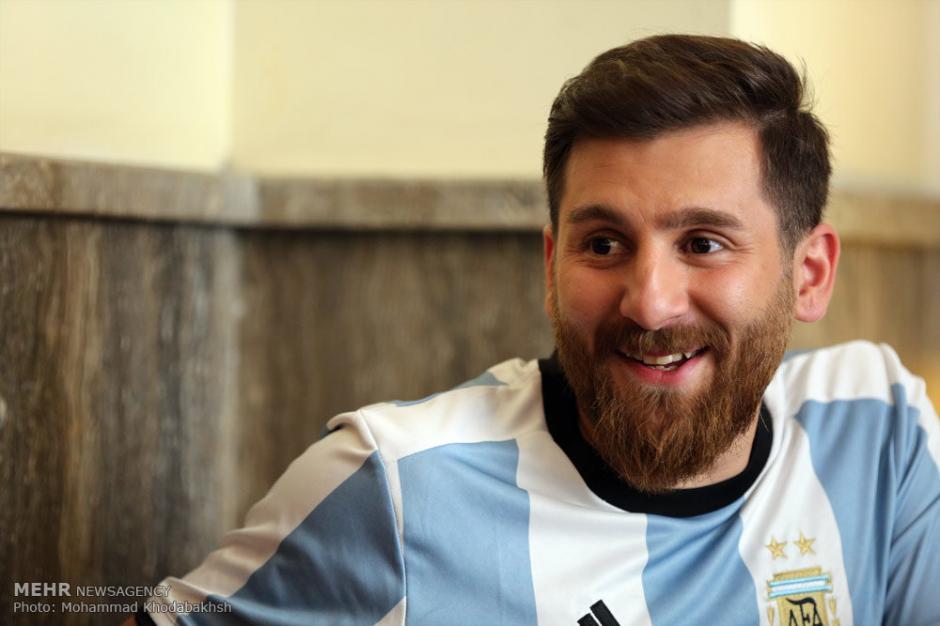 El joven iraní tiene la ilusión de conocer a Messi. (Foto: Mehr News Agency)