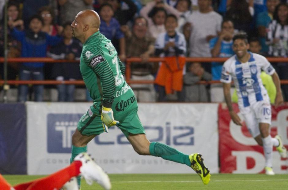 Óscar Pérez se vistió de héroe para lograr el empate contra el Cruz Azul. (Foto: AFP)
