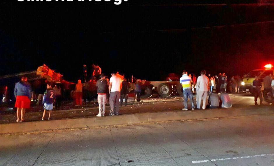 El accidente se reportó en la salida de la ciudad. (Foto: infotraficoGT)