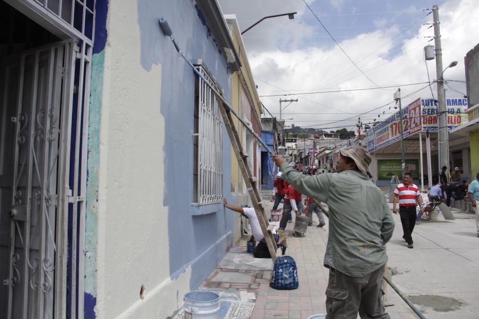 Hasta el miércoles faltaban cerca de 10 casas por pintar. (Foto: Fredy Hernández/Soy502)