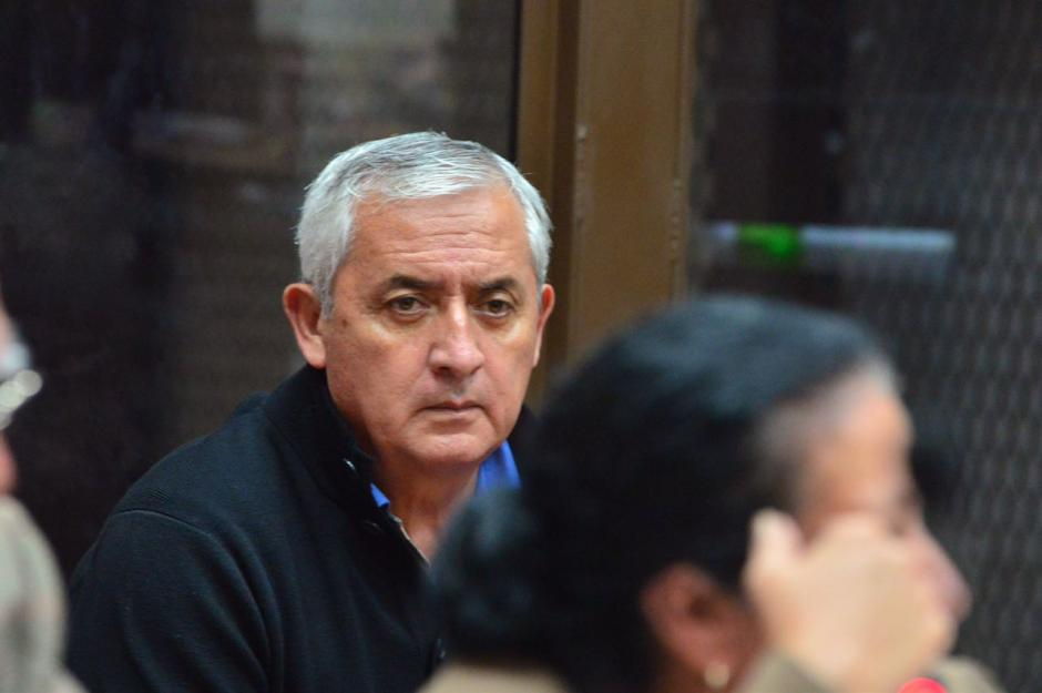 El expresidente Otto Pérez Molina permanece atento en la audiencia de primera declaración, su defensa podrá presentar alegatos de descargo. (Foto: Jesús Alfionso/Soy502)