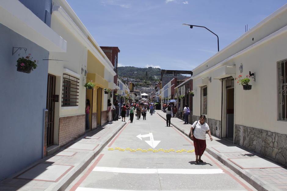 La calle luce radiante en su inauguración. (Foto: Fredy Hernández/Soy502)