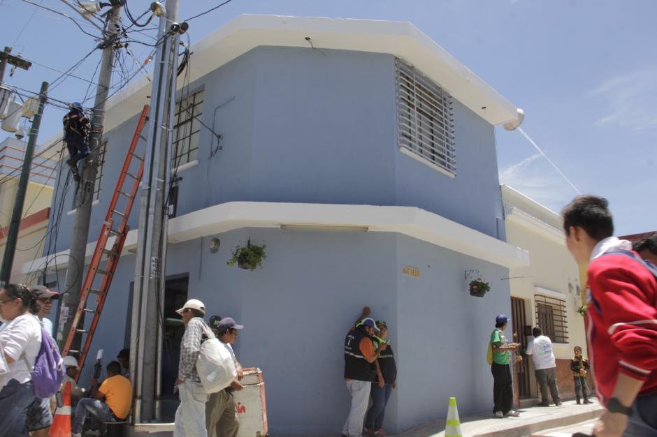 En algunas partes se realizan aún los últimos detalles sobre esta calle. (Foto: Fredy Hernández/Soy502)