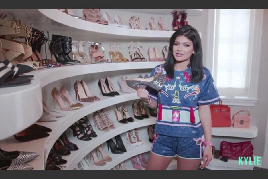 Los 10 estilos de calzado que no pueden faltar en tu - Armarios para zapatos ...