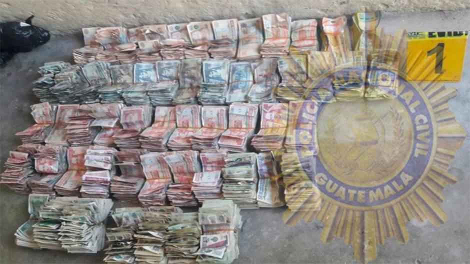 En total las autoridades localizaron 144 mil quetzales. (Foto: PNC)