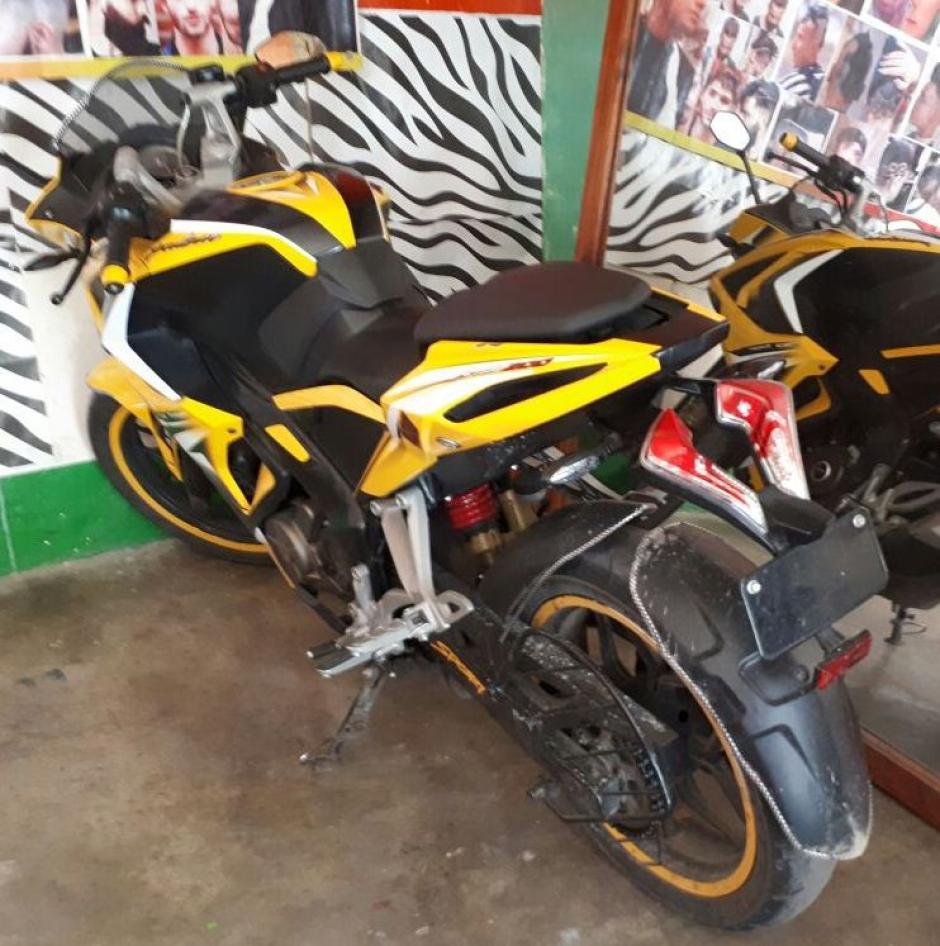 Esta es la motocicleta con reporte de robo que encontraron las autoridades. (Foto: PNC)