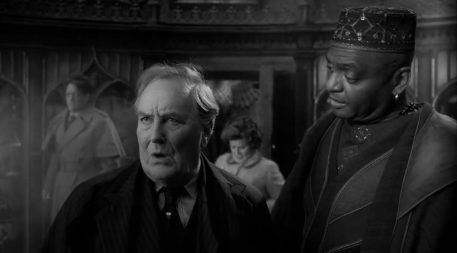 Robert Hardy en una escena de una película de 'Harry Potter'. (Foto: YouTube)
