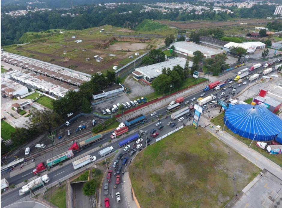 Los guatemaltecos sufrieron el tráfico del jueves. (Foto: Amilcar Montejo/PMT)