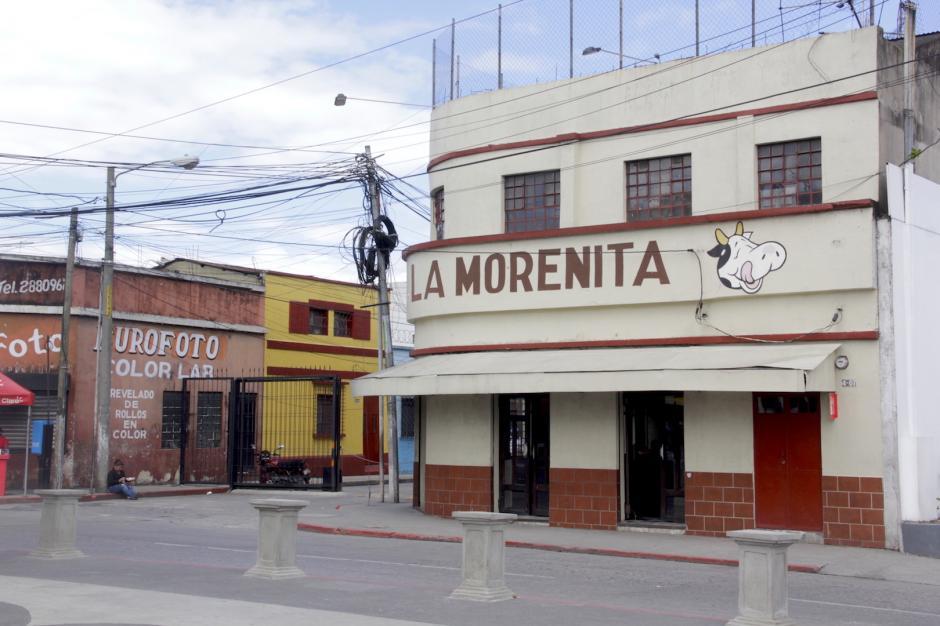 La Morenita es un negocio que ha estado desde 1950 frente a La Parroquia. (Foto: Fredy Hernández/Soy502)