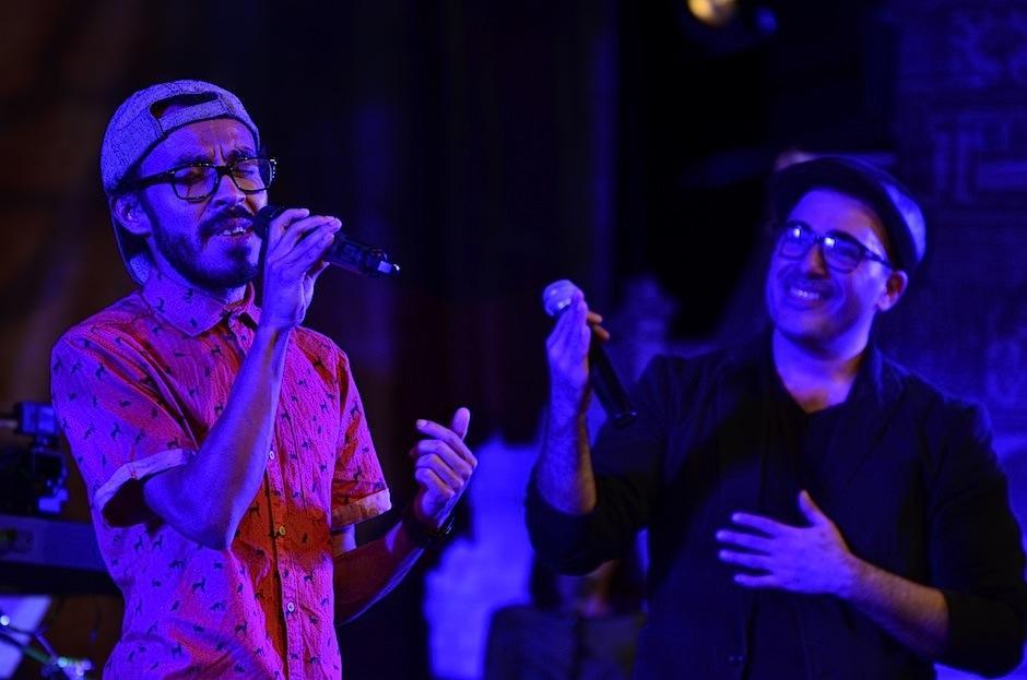 """René, vocalista de la agrupación De La Rut, cantó el tema """"Mojado"""" con Páez. (Foto: Selene Mejía/Soy502)"""