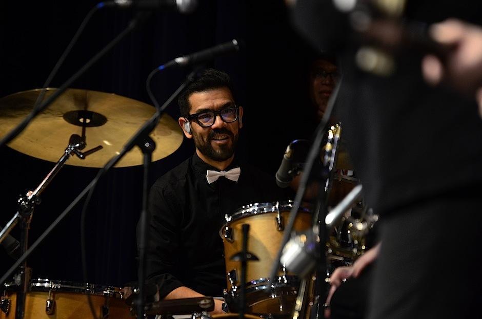 Leonel celebró el momento en la batería. (Foto: Selene Mejía/Soy502)