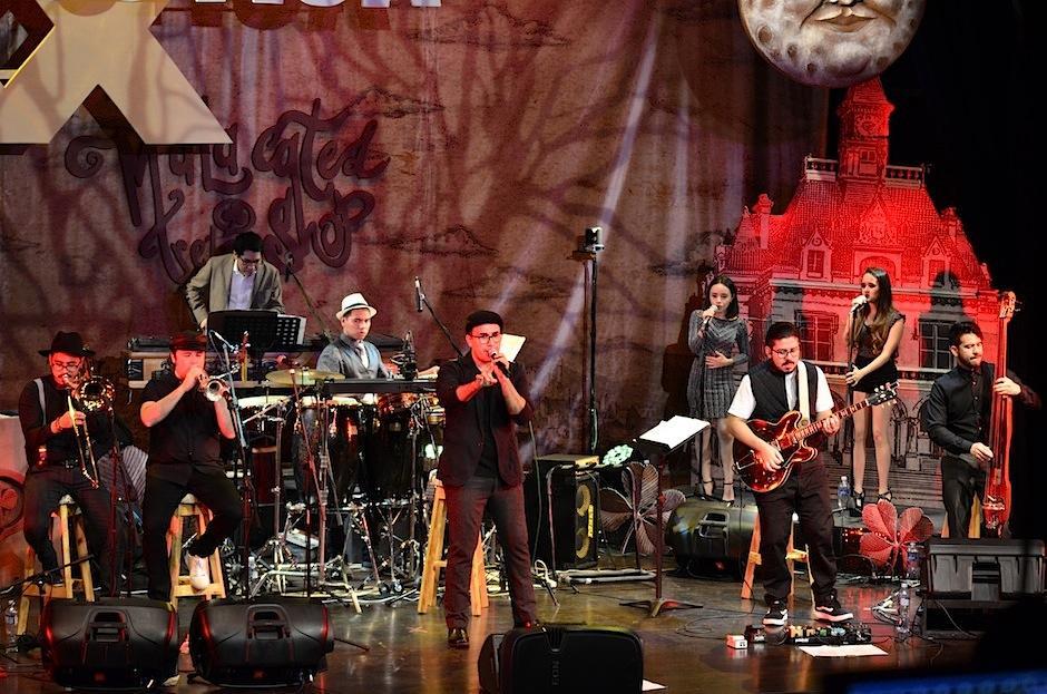 La energía en el teatro Dick Smith del IGA fue muy especial. (Foto: Selene Mejía/Soy502)