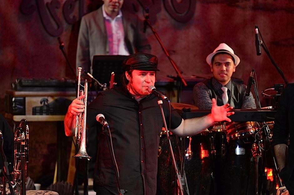 Jacobo transmitió su emoción en el escenario. (Foto: Selene Mejía/Soy502)