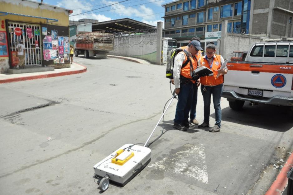 La Conred y la Municipalidad de Guatemala continúan evaluando el área. (Foto: Conred)