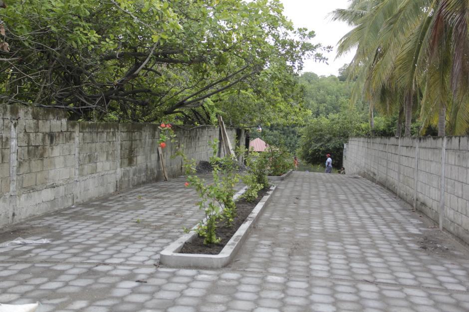 Una parte de este camino ya ha sido adoquinada. (Foto: Fredy Hernández/Soy502)