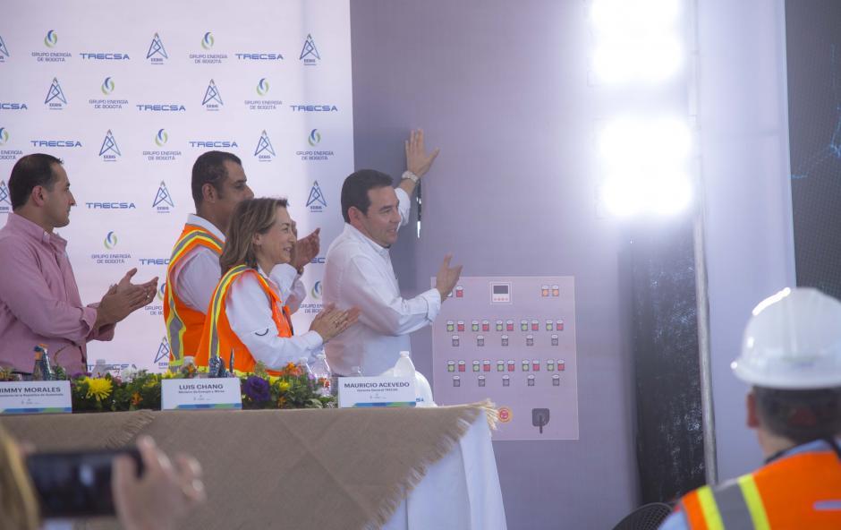 Ante distintos medios de comunicación se Inauguraron las obras. (Foto: Víctor Xiloj/Soy502)