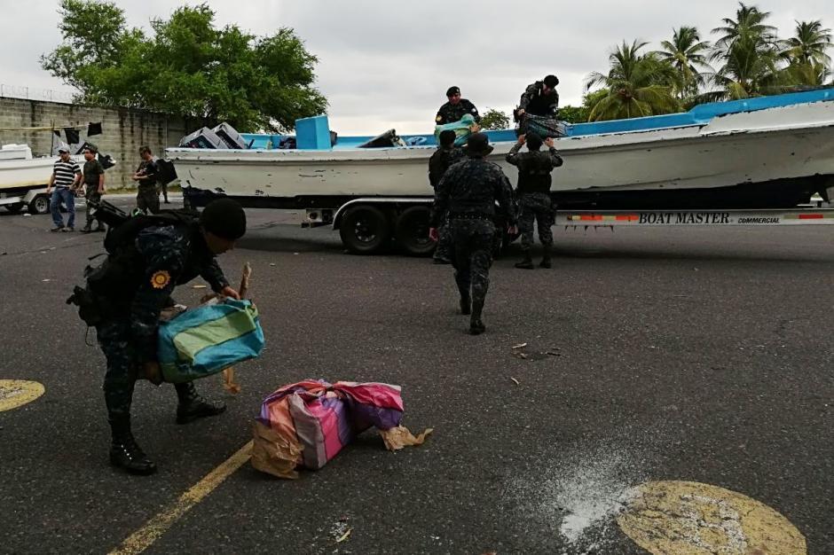 Localizan 580 paquetes con cocaína en el interior de 16 tulas. (Foto: PNC)
