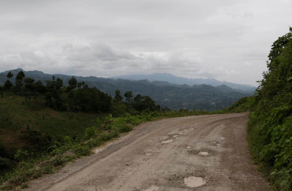 El acceso a la aldea es muy difícil debido a las condiciones de la carretera. (Foto: Alejandro Balán/soy502)