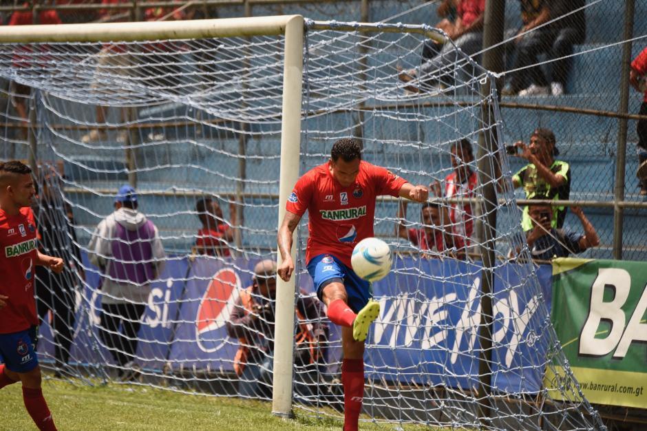 Blas Pérez anotó el único gol de Municipal. (Foto: Nuestro Diario)